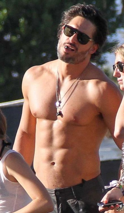 Joe Manganiello with his girlfriend grab lemonade at Coachella in Indio