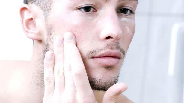 Cuidados do Inverno: Hidratar a Pele Homem Gays