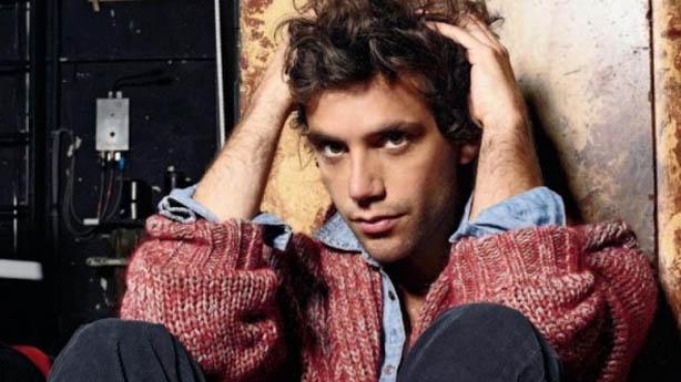 Cantor Mika sai do armário - Do Que Os Gays Gostam