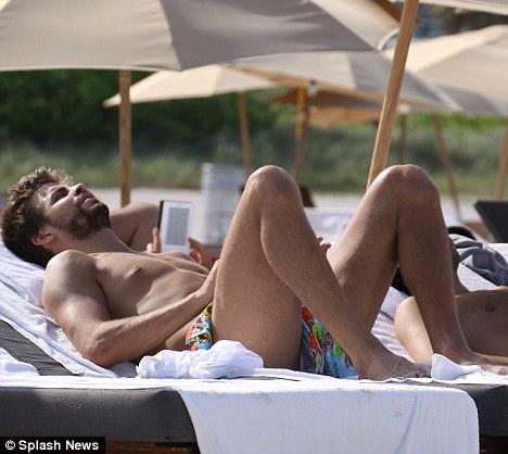 gerard-pique-fotos-pelado-piqueton-gays-gostam (36)