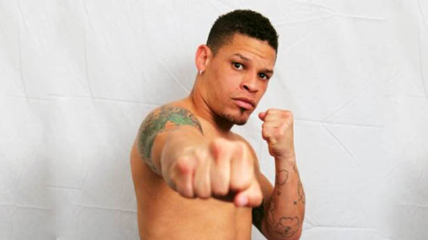 Boxeador Orlando Cruz assume que é gay