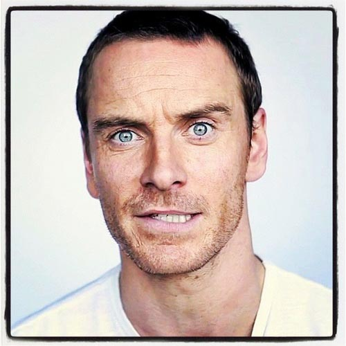 hot-michael-fassbender-pelado (1)