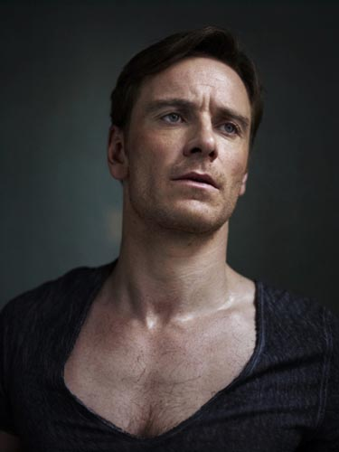 hot-michael-fassbender-pelado (11)
