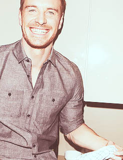 hot-michael-fassbender-pelado (4)